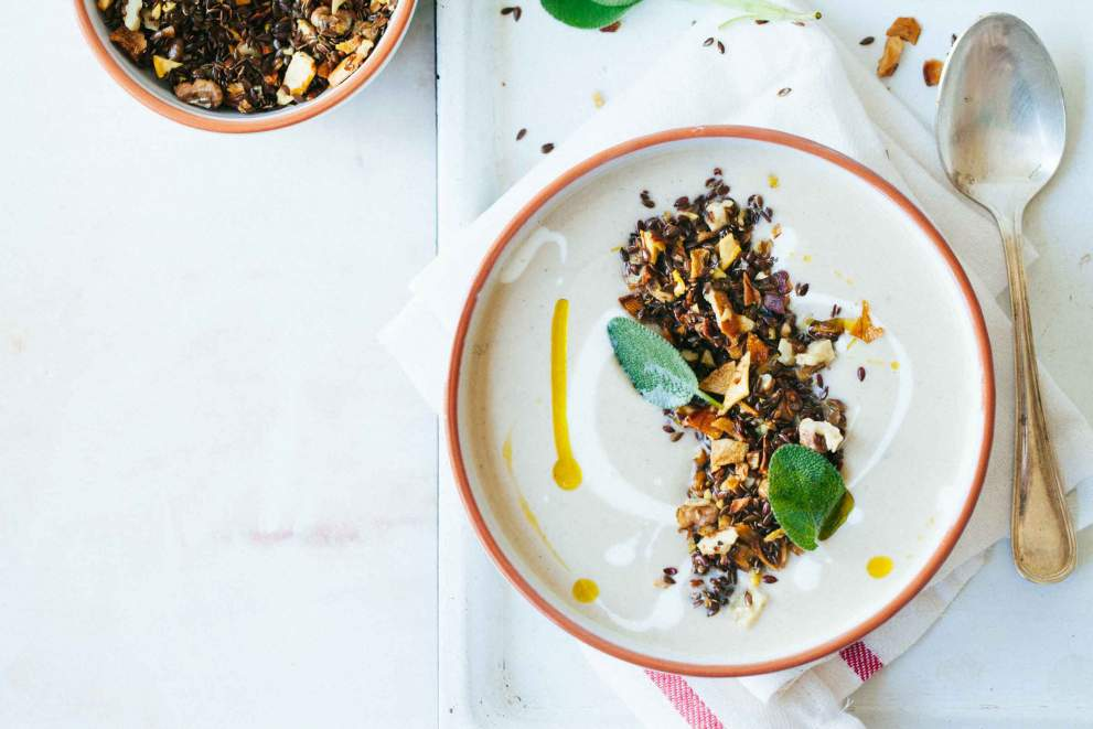 Cauliflower soup with dried pears and seeds