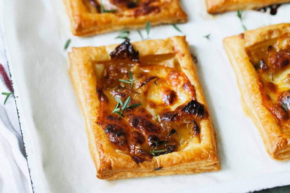 Onion and cheese puff tarts
