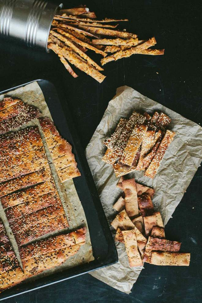 Baked Crackers with seeds