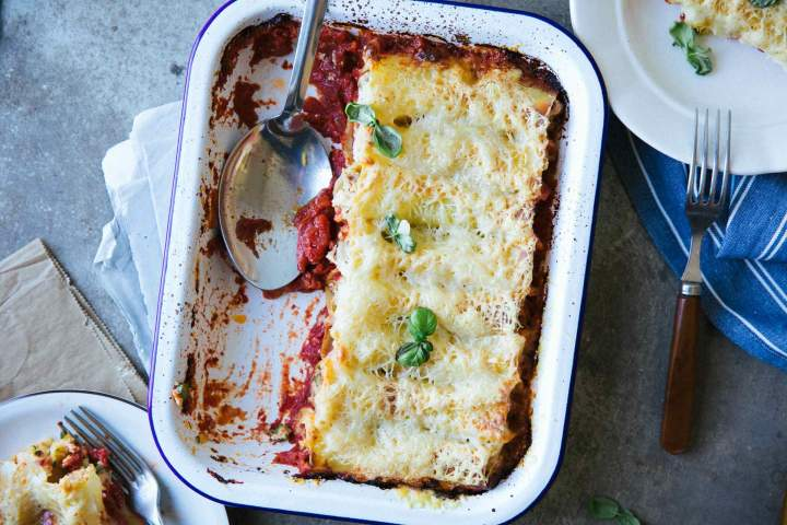 Cannelloni with asparagus and zucchini