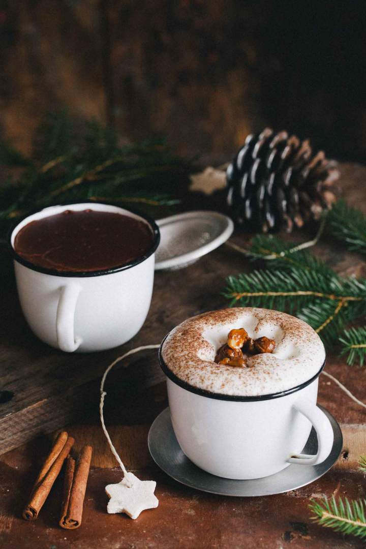 Hot chocolate with caramelized hazelnuts with frothed milk